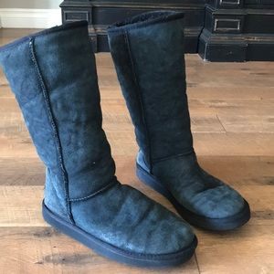 UGG boots in size 10